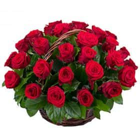 Корзина из 35 роз «Подарок любимым»