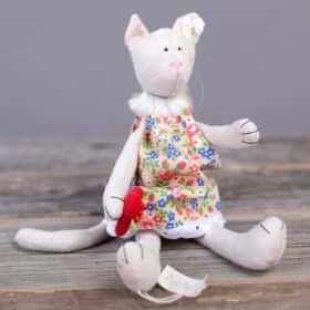 Игрушка «Кошечка в сарафане»