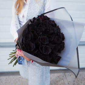 15 натуральных черных роз 70-90 см