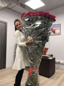 101 гигантских красных роз 190 см
