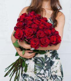 25 Красная роза, высота 1 метр