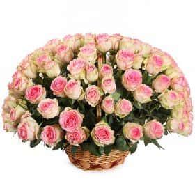 Букет Нежный ангел в корзине (101 роза)