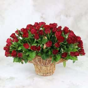101 красная роза 40 см. в корзине Люкс