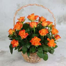25 оранжевых роз 40 см. в корзине  Cтандарт