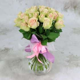 Букет из 25 зелено-розовых роз 40 см. Cтандарт
