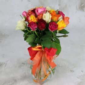 Букет из 25 разноцветных роз 40 см.Люкс