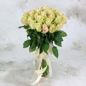 Букет из 25 розово-зеленых роз 40 см. Люкс