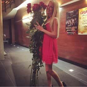7 гигантских красных роз 170см