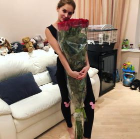 17 гигантских красных роз 160 см