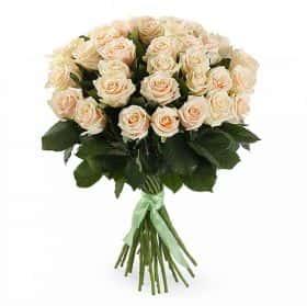 Букет 35 кремовых роз