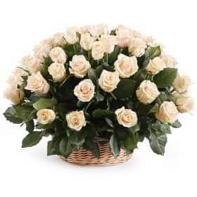 51 роза Талея в корзине