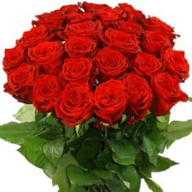 """Букет из 25 красных роз """"Ред Наоми"""""""