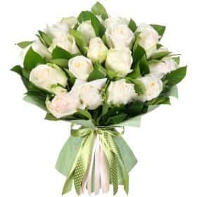 """Букет из 25 белых роз """"Свежесть"""""""